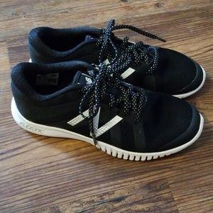 New Balance flexonic shoes